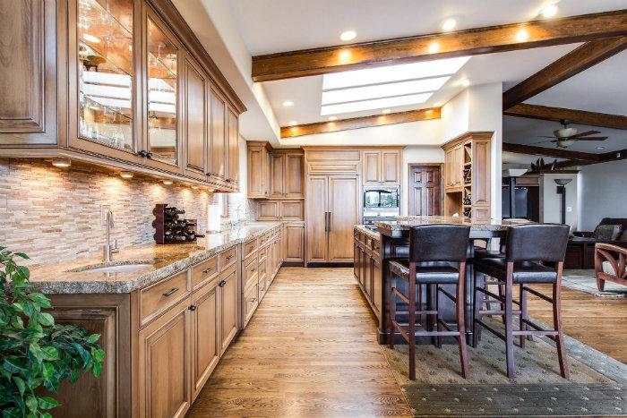 Faites construire une extension en bois design et écologique pour votre maison